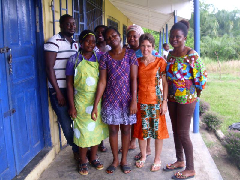 Judith und die Mitarbeiter des CWCF