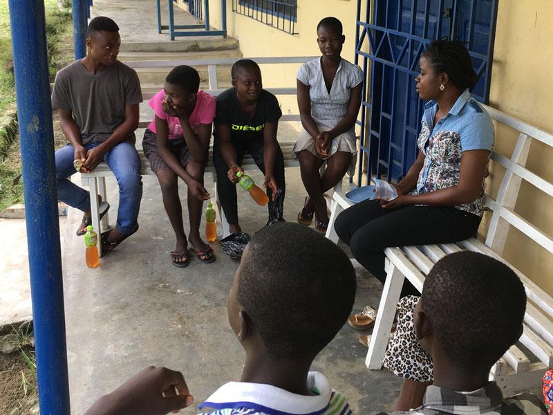 Treffen mit Jugendlichen im Maase Center